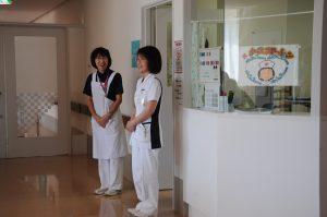 写真:3F東病棟スタッフステーション前
